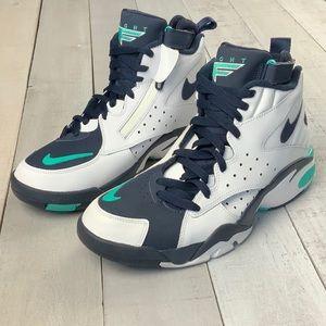CLEARANCE NIB Nike Air Maestro II basketball shoes